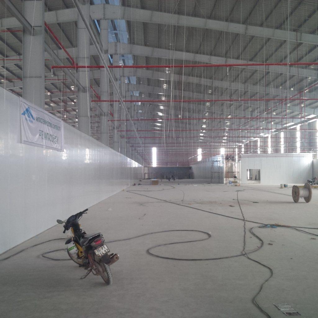 thi công lắp đặt panel cho trần nhà